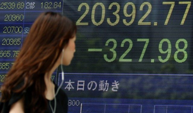 China in freefall: Currency war coming Ap_ap-photo655-640x377