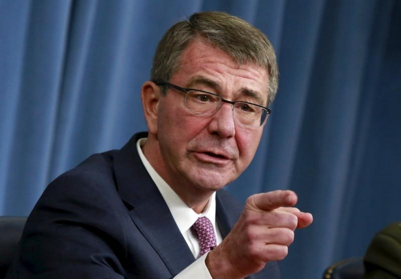 U.S. Defense Secretary Ash Carter gestures at a news conference at the Pentagon in Washington February 29, 2016. REUTERS/Yuri Gripas